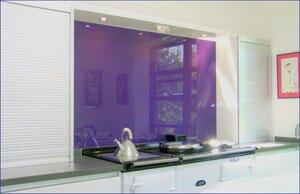 Lắp kính ốp tường trang trí theo yêu cầu giá rẻ